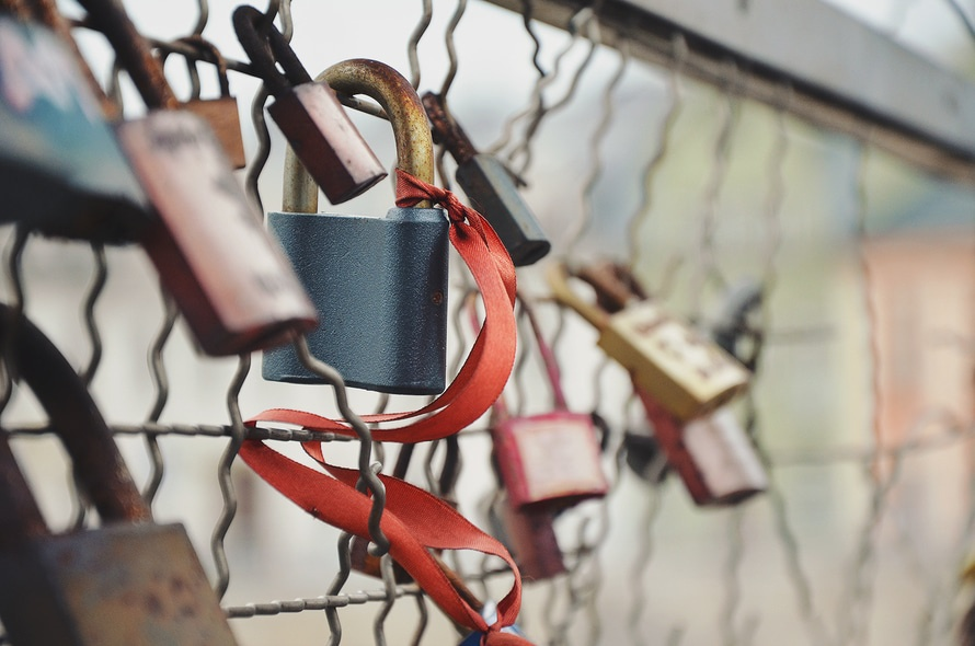 love-bridge-love-padlock-amour-large